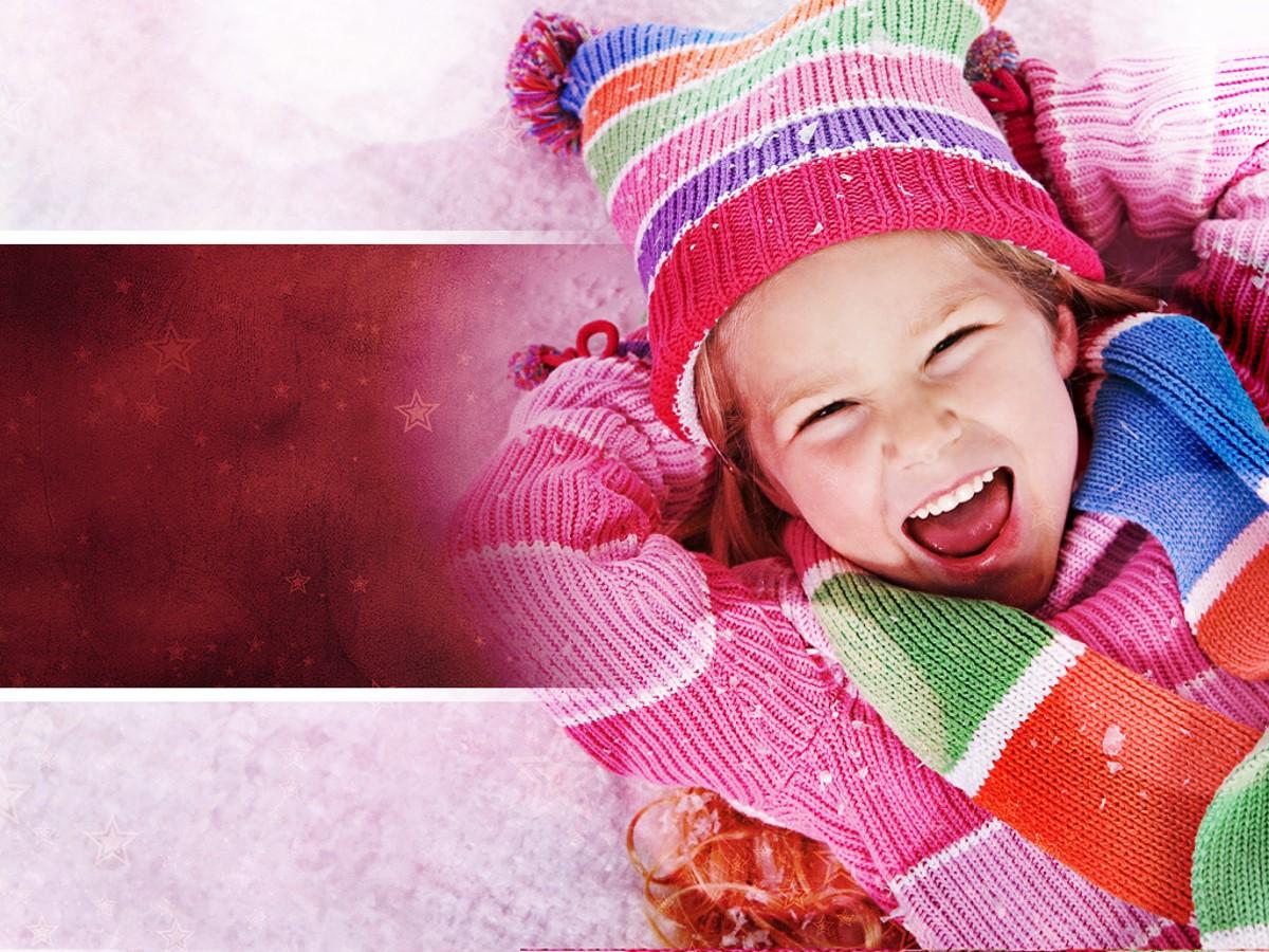 粉色可爱小朋友幻灯片模板