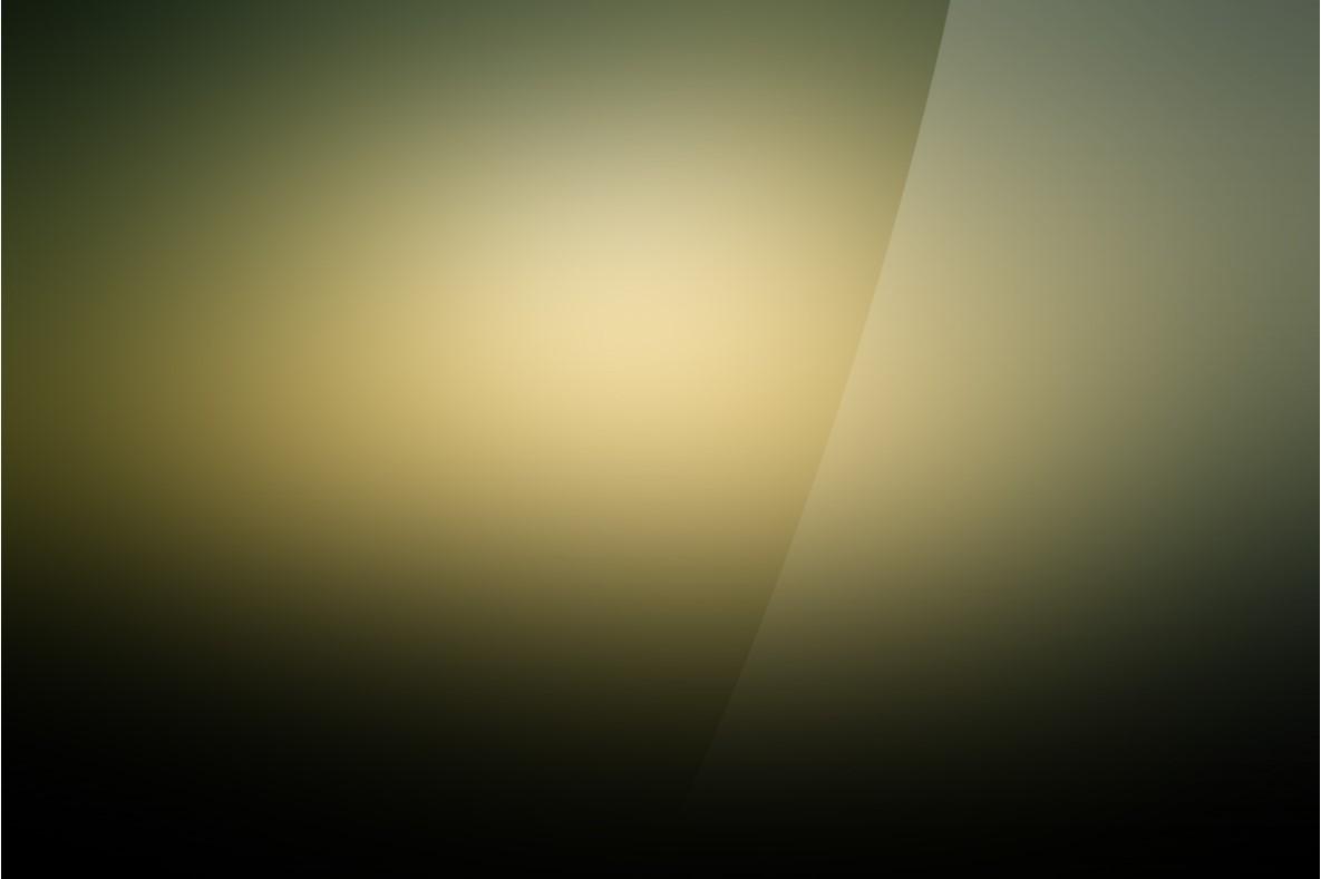 光晕黄纯色渐变PPT模板
